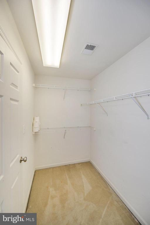 Walk in closet - 48 HUNTING CREEK LN, STAFFORD