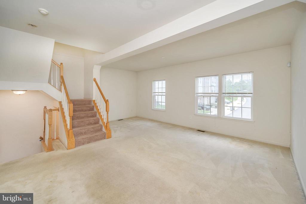 Living room - 48 HUNTING CREEK LN, STAFFORD