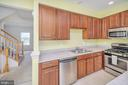 Kitchen w/upgraded cabinets - 48 HUNTING CREEK LN, STAFFORD