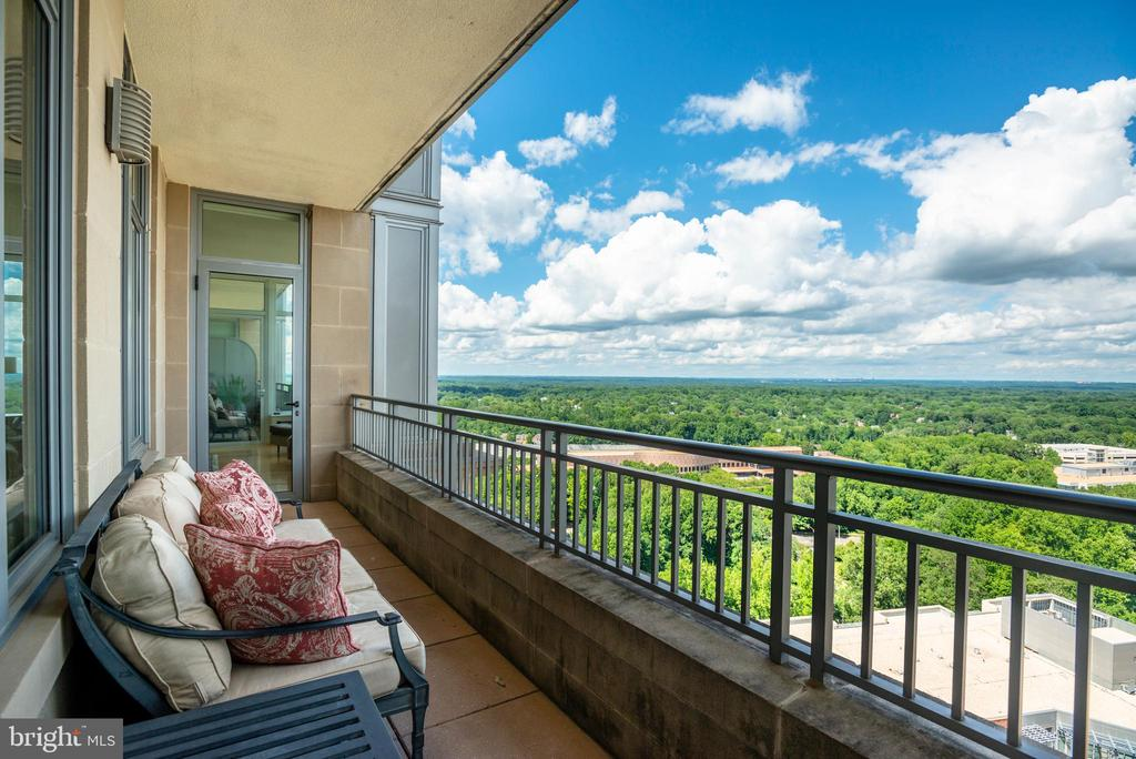 Second Balcony off Master Bedroom & Living Room - 8220 CRESTWOOD HEIGHTS DR #1814, MCLEAN