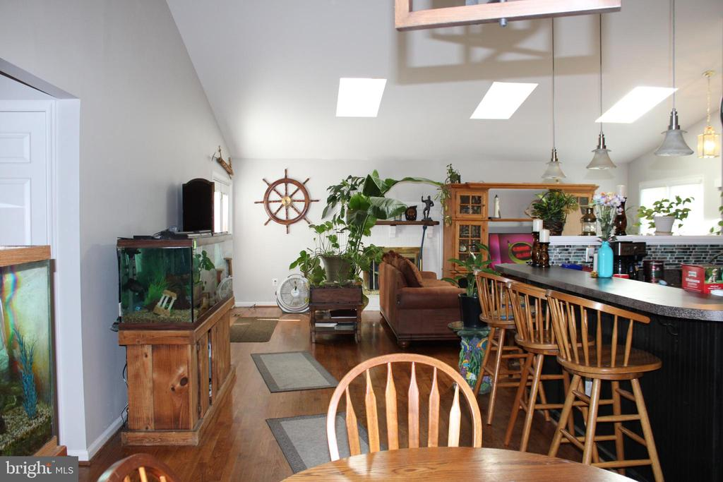 Lots of light with skylights - 48 NORTH PL, FREDERICK