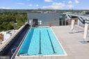 Large rooftop pool - great for relaxing - 2001 15TH ST N #1104, ARLINGTON