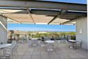 Rooftop amenities great for socializing - 2001 15TH ST N #1104, ARLINGTON