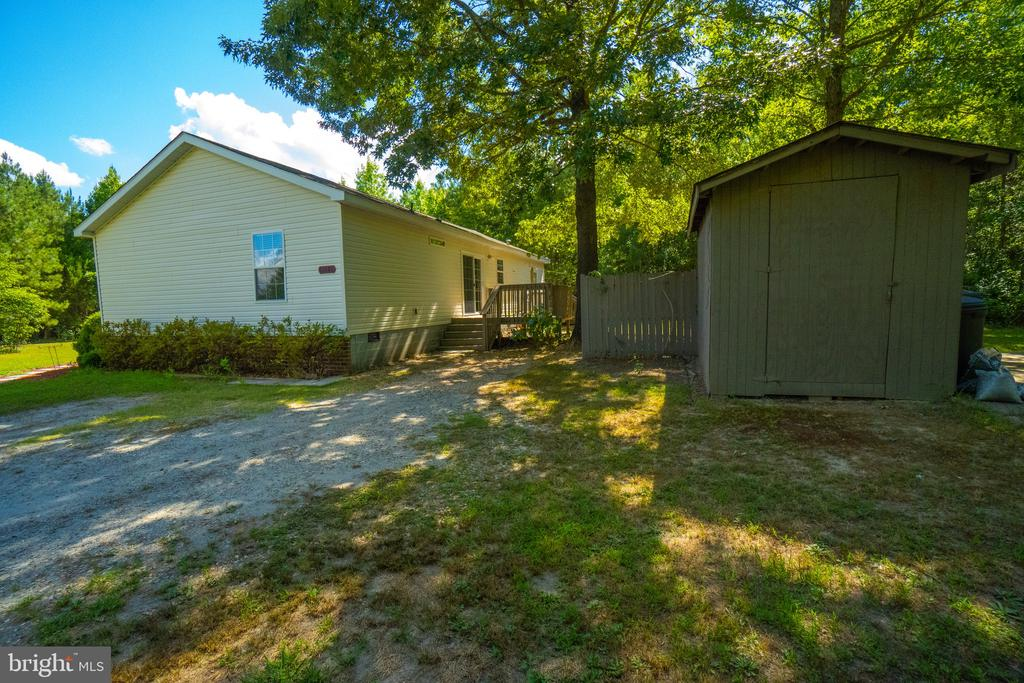Large Shed - 11080 EDGEHILL ACADEMY RD, WOODFORD