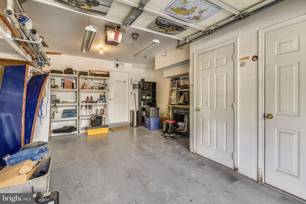 Garage & Utility Closets - 21816 PETWORTH CT, ASHBURN