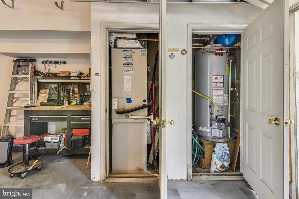Newer HVAC and Water Heater - 21816 PETWORTH CT, ASHBURN