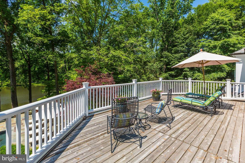 Private Deck off Owner's Bedroom - 10 STANMORE CT, POTOMAC