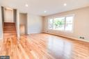 Living room, pic 1 - 900 S WAKEFIELD ST, ARLINGTON