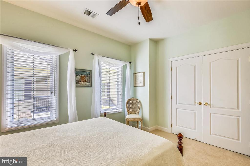 Another view of bedroom 3 - 18356 FAIRWAY OAKS SQ, LEESBURG