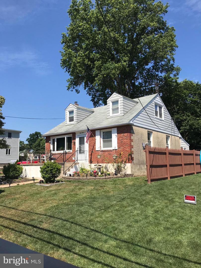 Single Family Homes for Sale at Morton, Pennsylvania 19070 United States