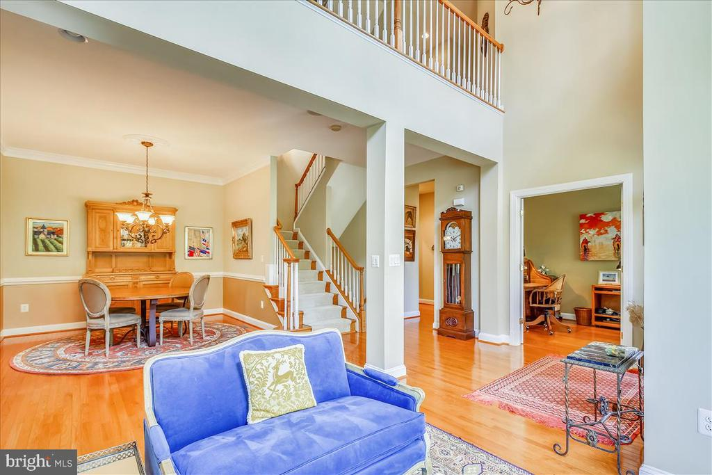 Another view  from living room - 18356 FAIRWAY OAKS SQ, LEESBURG