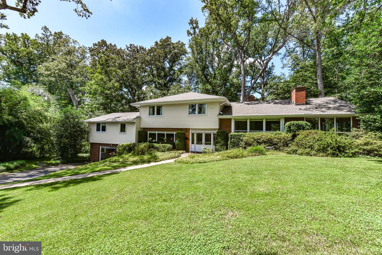 Single Family Homes vì Thuê tại Falls Church, Virginia 22044 Hoa Kỳ