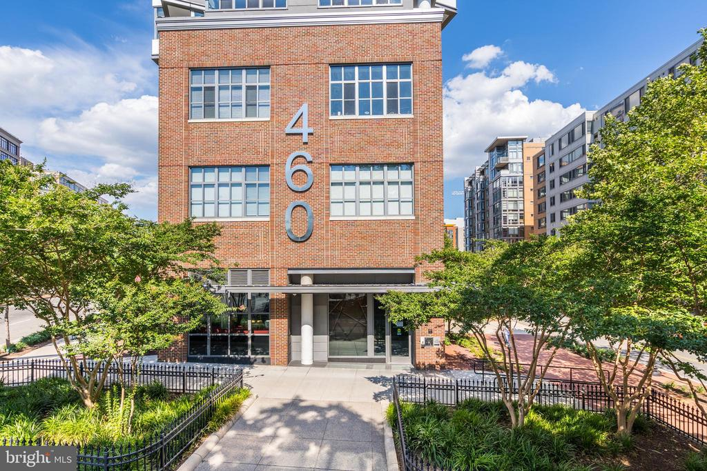 Welcome to 460 New York Ave - 460 NEW YORK AVE NW #801, WASHINGTON