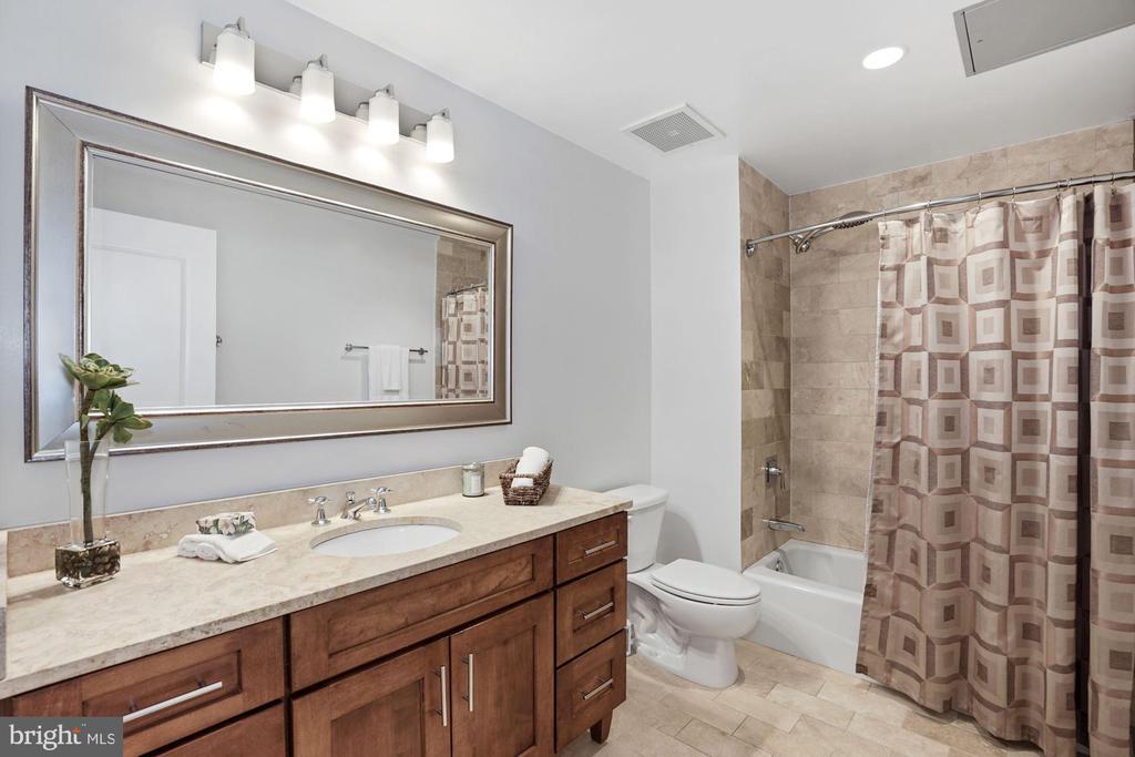 Bathroom - 1600 CLARENDON BLVD #W107, ARLINGTON