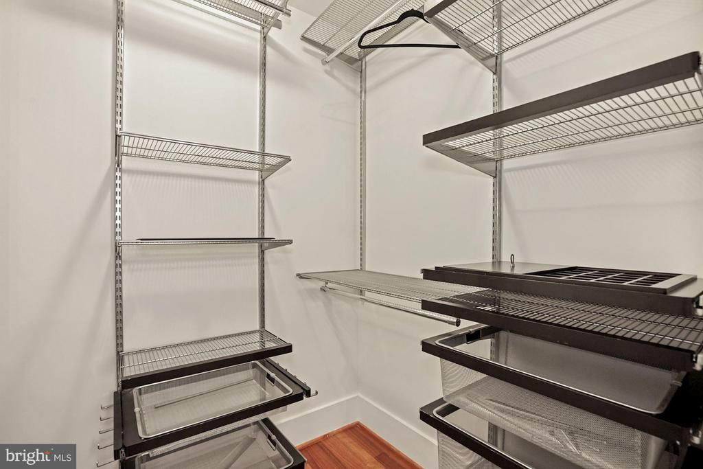 Walk-In Closet - 1600 CLARENDON BLVD #W107, ARLINGTON