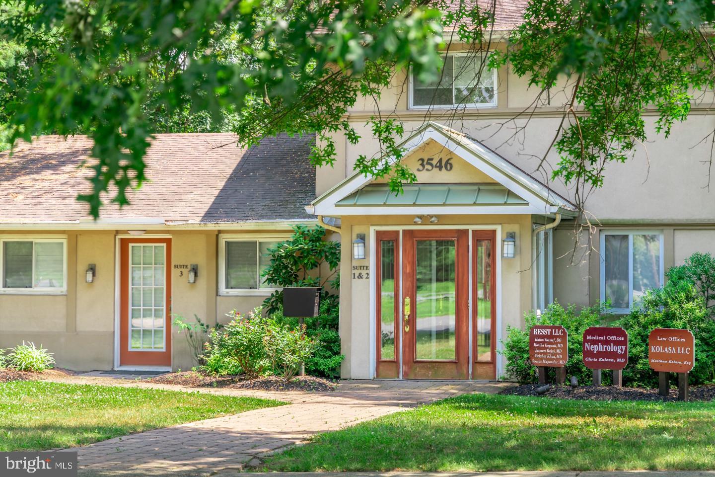 Single Family Homes pour l Vente à Kendall Park, New Jersey 08824 États-Unis