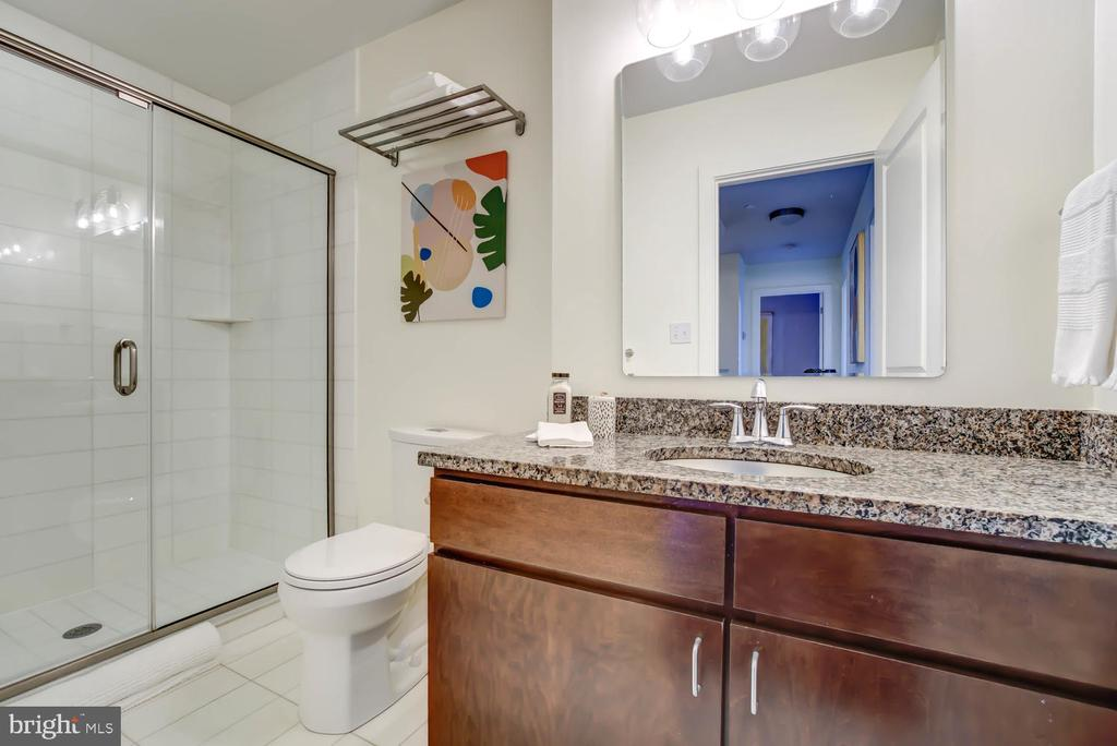 Second floor - hall bath - 1341 MARYLAND AVE NE #103, WASHINGTON