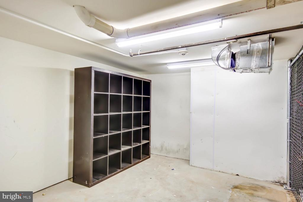 Huge storage room (appox 130 sq ft) - 1341 MARYLAND AVE NE #103, WASHINGTON