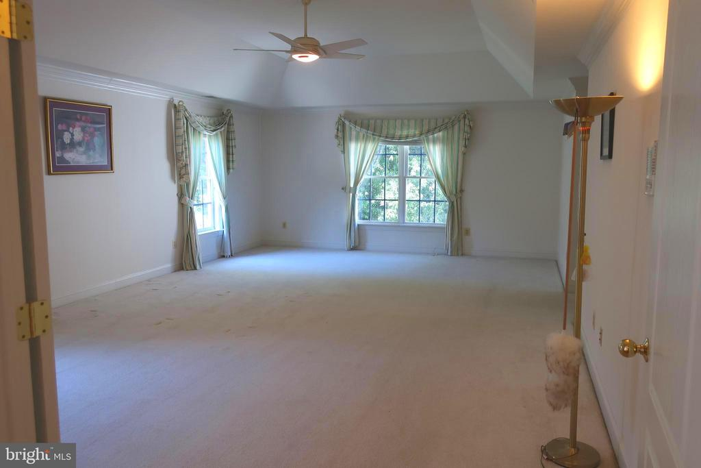 Master Bedroom - 4512 CARRICO DR, ANNANDALE