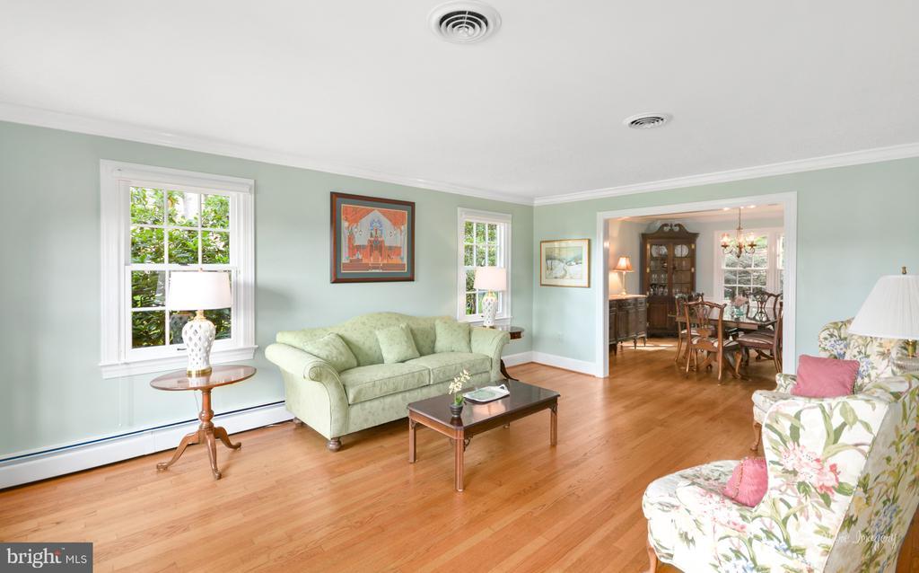 Formal Living Room with Hardwood flooring - 10095 DUDLEY DR, IJAMSVILLE