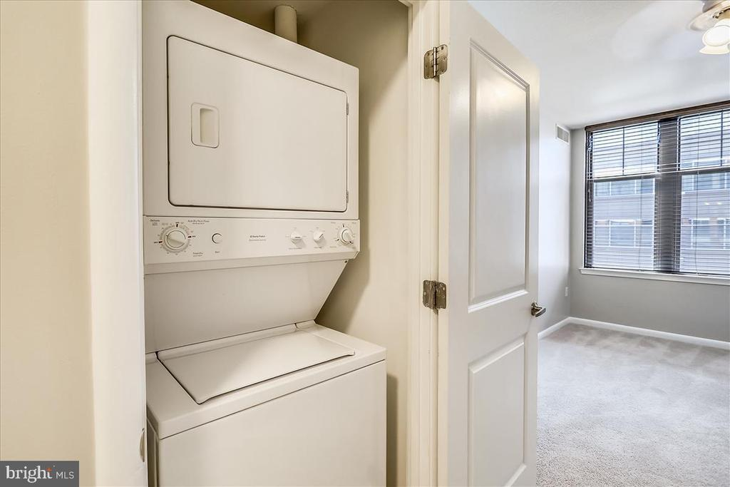 Washer/Dryer in Unit - 1021 N GARFIELD ST #804, ARLINGTON
