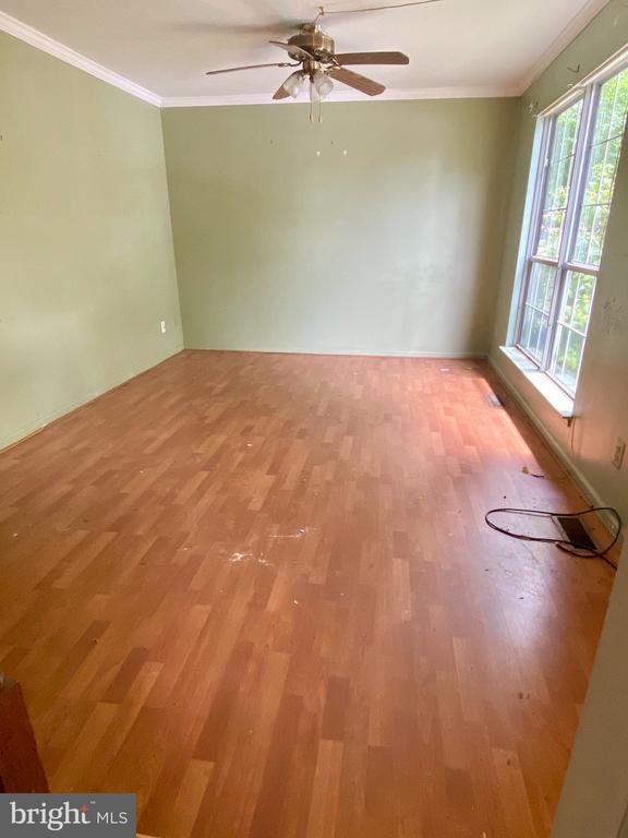 Living Room - 209 ASTON CT, STAFFORD