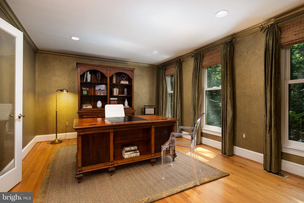 Private Study - 10616 CANTERBERRY RD, FAIRFAX STATION
