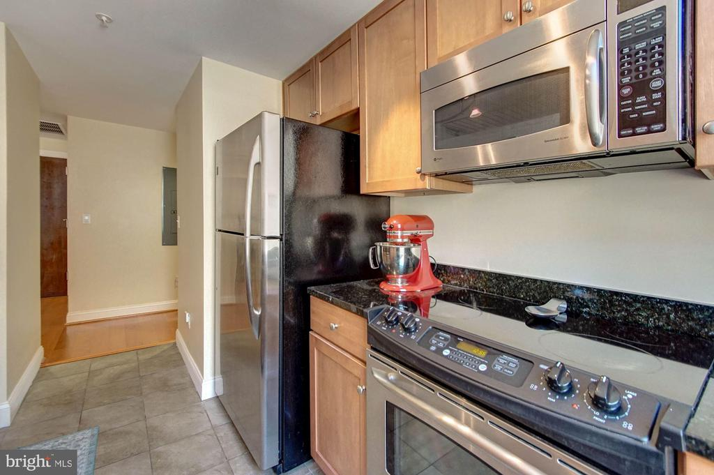 Kitchen - 1020 N HIGHLAND ST #413, ARLINGTON