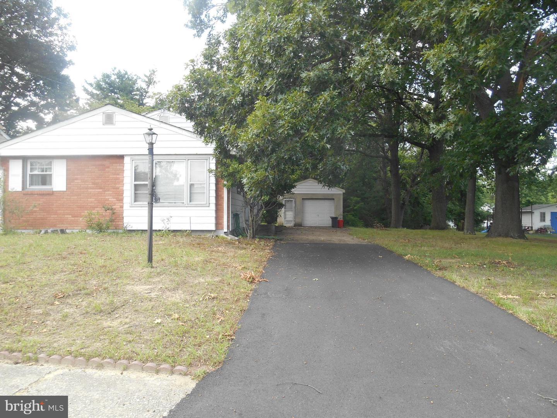 Single Family Homes のために 売買 アット Lawnside, ニュージャージー 08045 アメリカ