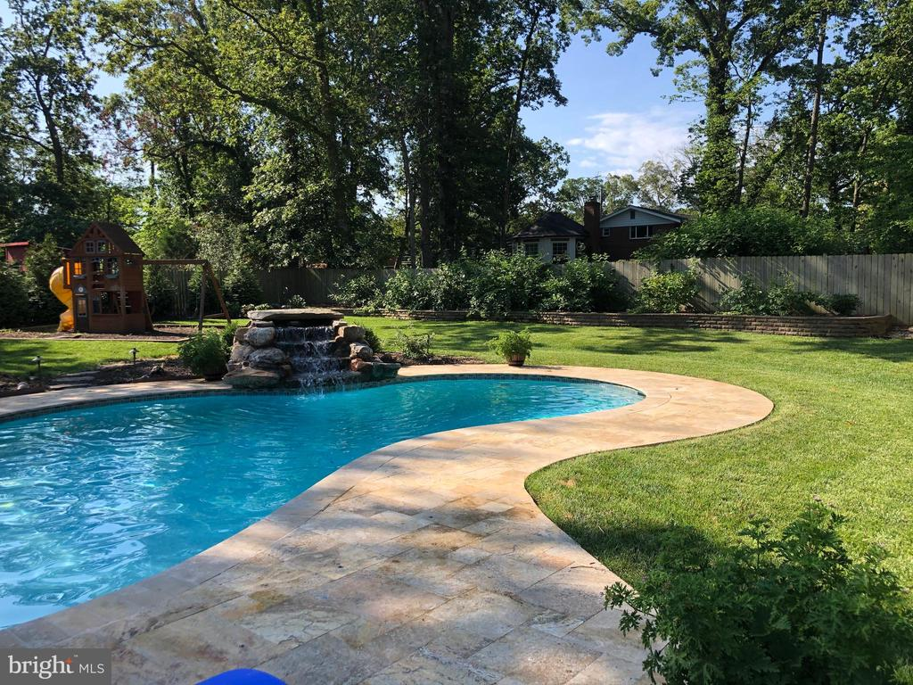 Truly an OASIS and backyard retreat! - 3805 COLONIAL AVE, ALEXANDRIA