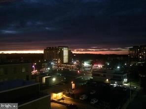 Balcony Sunset View! - 1020 N HIGHLAND ST #821, ARLINGTON