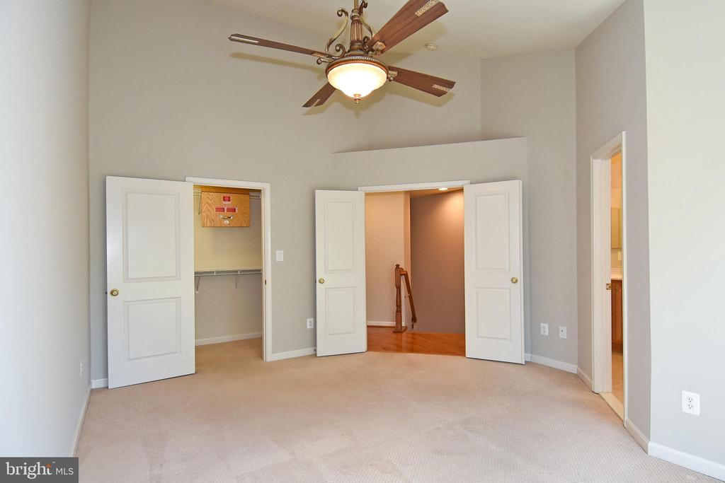 Primary Bedroom- View 4 - 11872 BENTON LAKE RD, BRISTOW