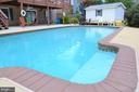 Large private pool - 5827 WESSEX LN, ALEXANDRIA