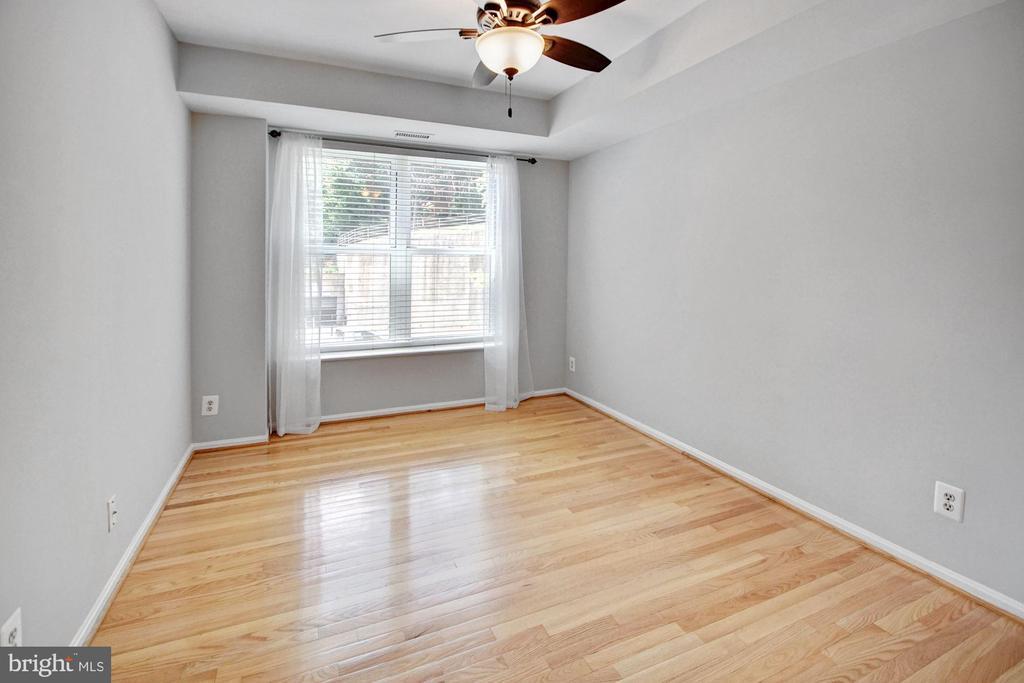 Guest bedroom - 2100 LEE HWY #241, ARLINGTON
