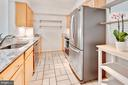 Recently upgraded galley kitchen - 2100 LEE HWY #241, ARLINGTON