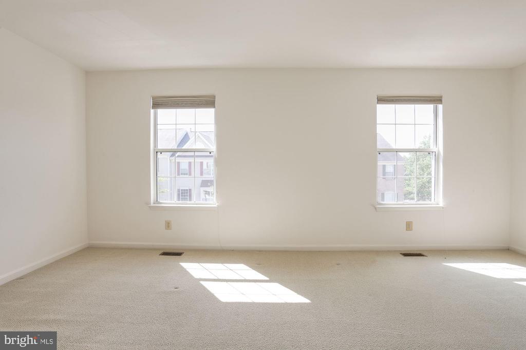 Master Bedroom - 2504 CLOVER FIELD CIR, HERNDON