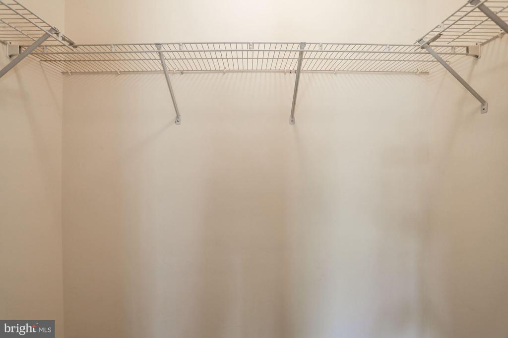 Walk in closet in Master - 2504 CLOVER FIELD CIR, HERNDON