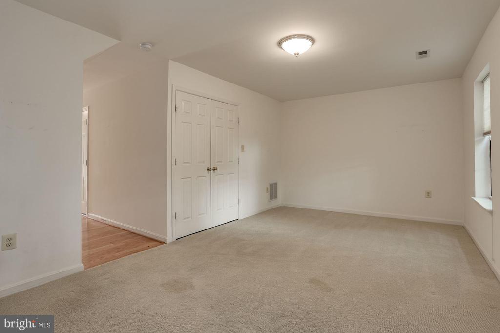 Family Room - 2504 CLOVER FIELD CIR, HERNDON