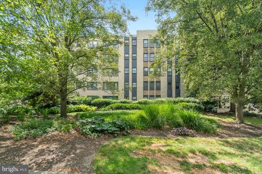 3901 CATHEDRAL AVE NW #420