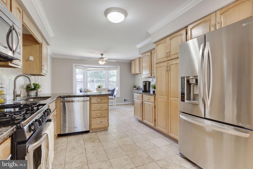 Kitchen with Stainless Appliances - 1906 GREAT FALLS ST, MCLEAN