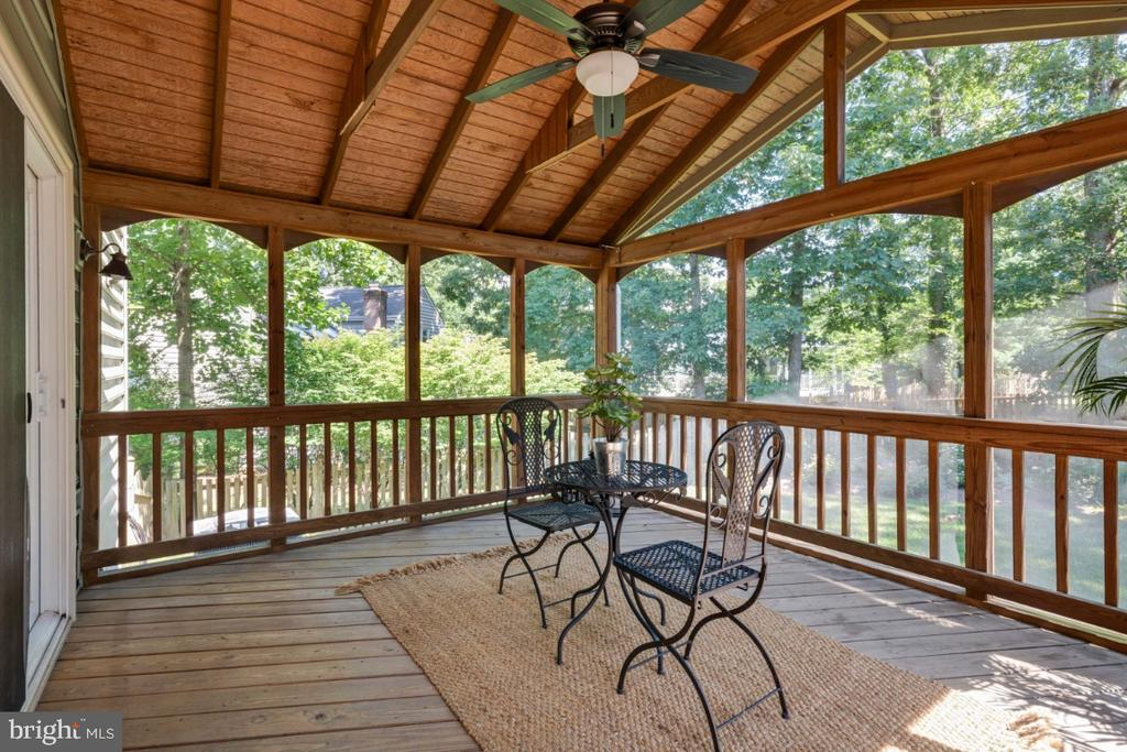 Amazing screened in porch - 3619 ELDERBERRY PL, FAIRFAX