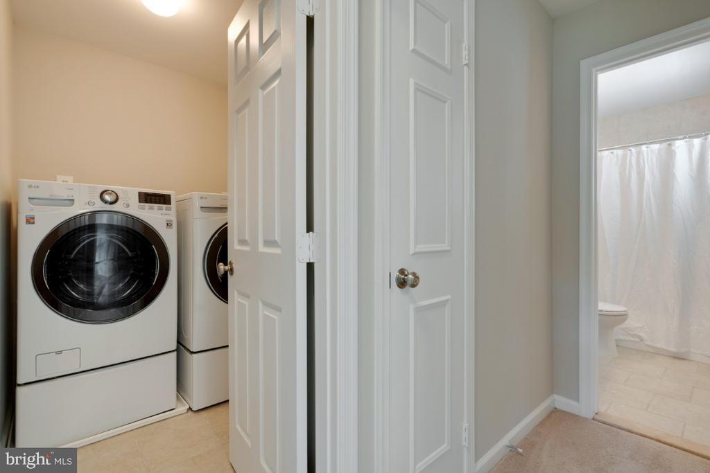 Upper level laundry - 3619 ELDERBERRY PL, FAIRFAX