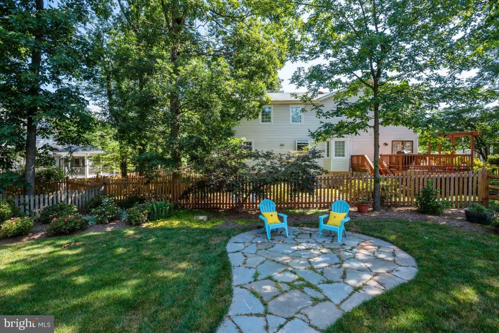 Paradise! - 3619 ELDERBERRY PL, FAIRFAX