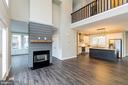 2 level living room with loft above - 6823 W SHAVANO, NEW MARKET