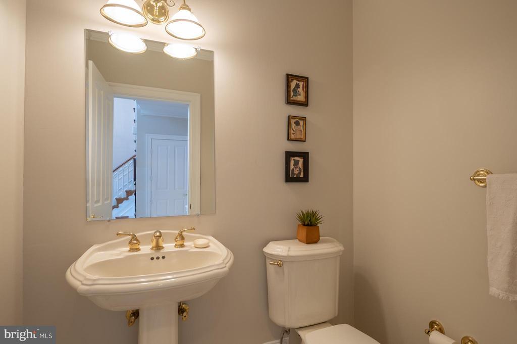 Half Bathroom - 3601 SURREY DR, ALEXANDRIA