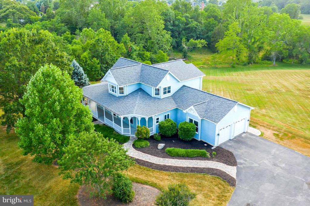 Welcome Home To 27 Acres - 22669 WATSON RD, LEESBURG
