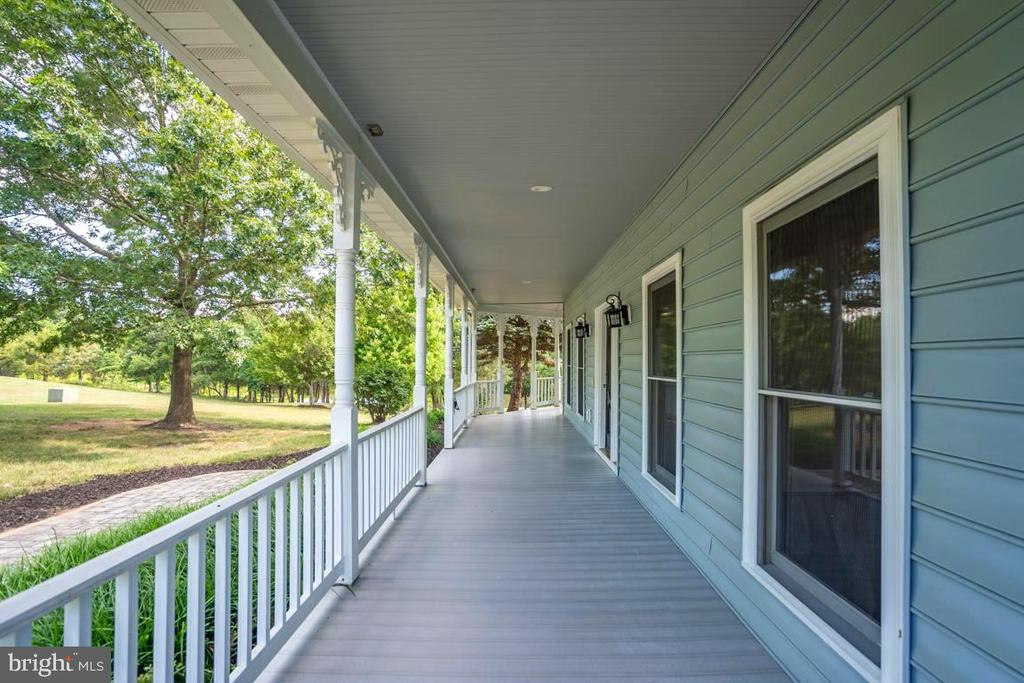 Relaxing Front Porch - 22669 WATSON RD, LEESBURG