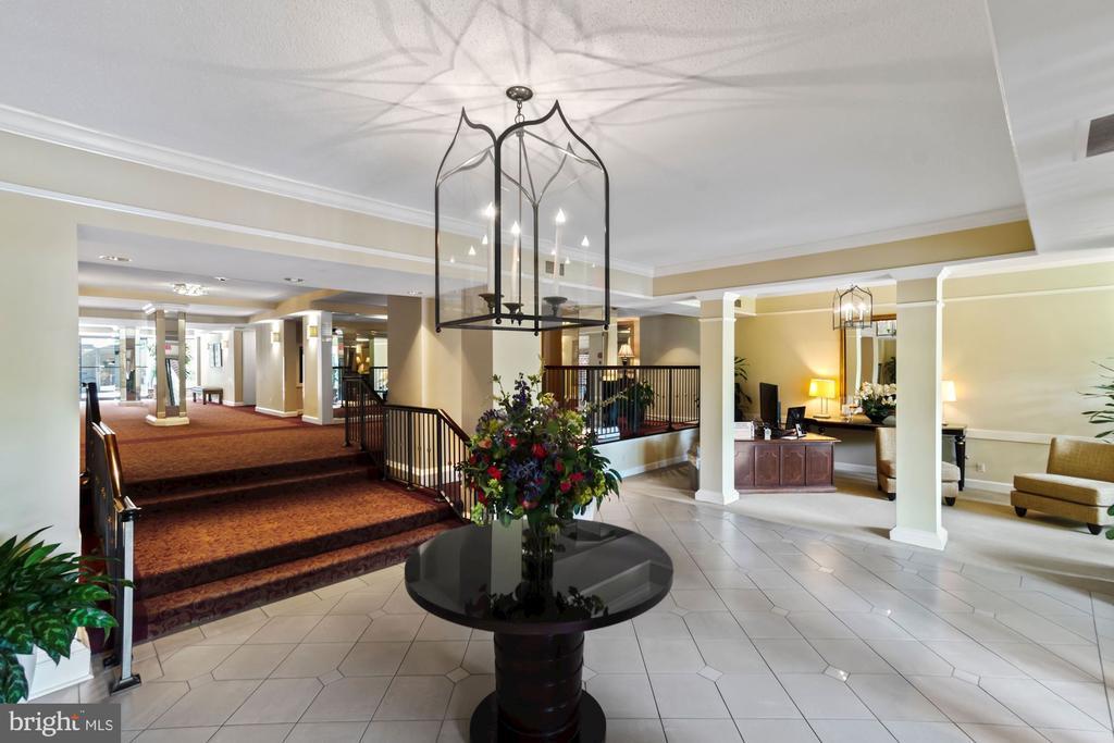 Main lobby/entrance - 2100 LEE HWY #241, ARLINGTON