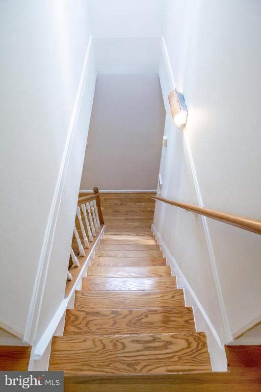 Descending Main Stairs to Main Level - 726 6TH ST NE, WASHINGTON