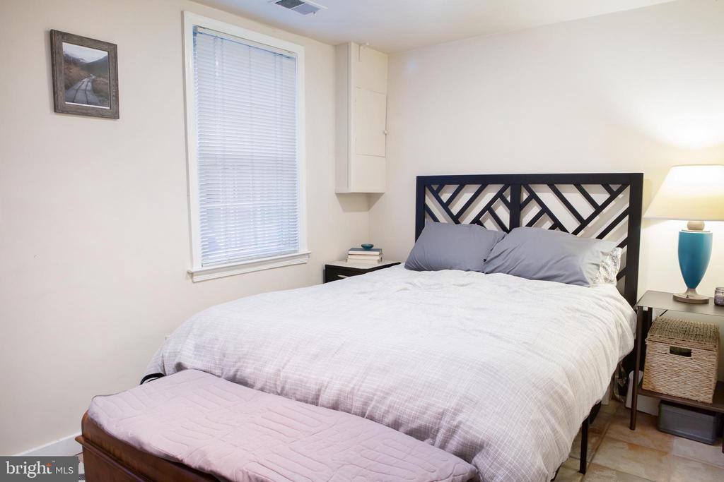 Lower Unit Bedroom Northwest - 726 6TH ST NE, WASHINGTON